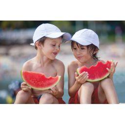 Verano de frutas y más líquido. Si tu hijo come menos, ¡no te preocupes!