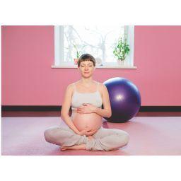 Ejercicios con pelotas. Para el embarazo y el parto